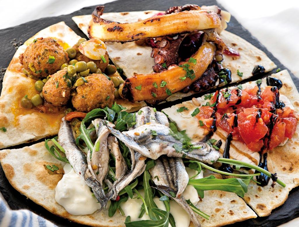 il mare in una piada, piadina romagnola, menu di pesce, ristoranti pesce riccione, da lele riccione
