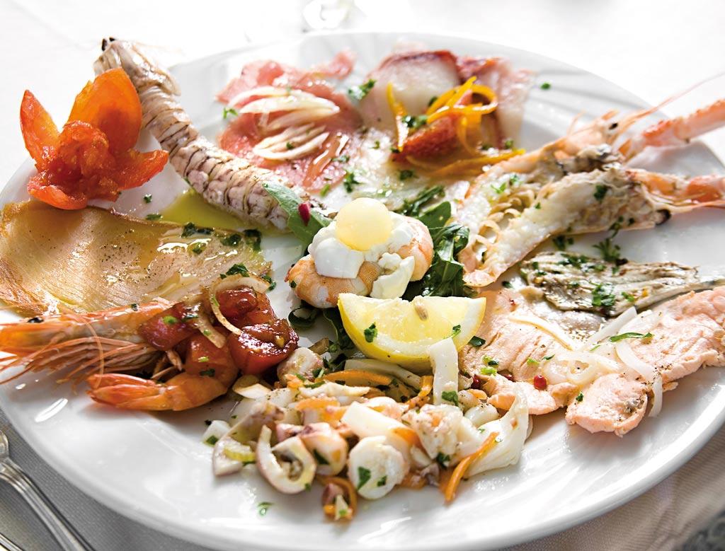 insalata di mare, piatti di pesce, menu di pesce, ristoranti pesce riccione, da lele riccione