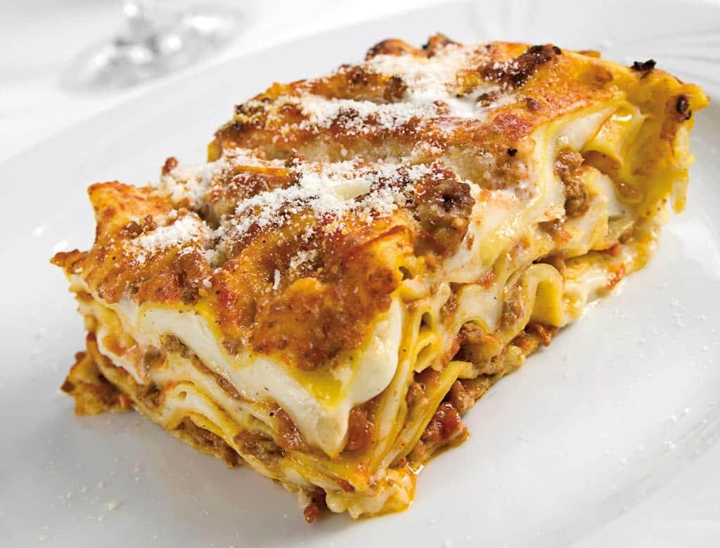 lasagna, lasagne alla bolognese, menu di carne, ristoranti riccione, migliori ristoranti a riccione, da lele riccione