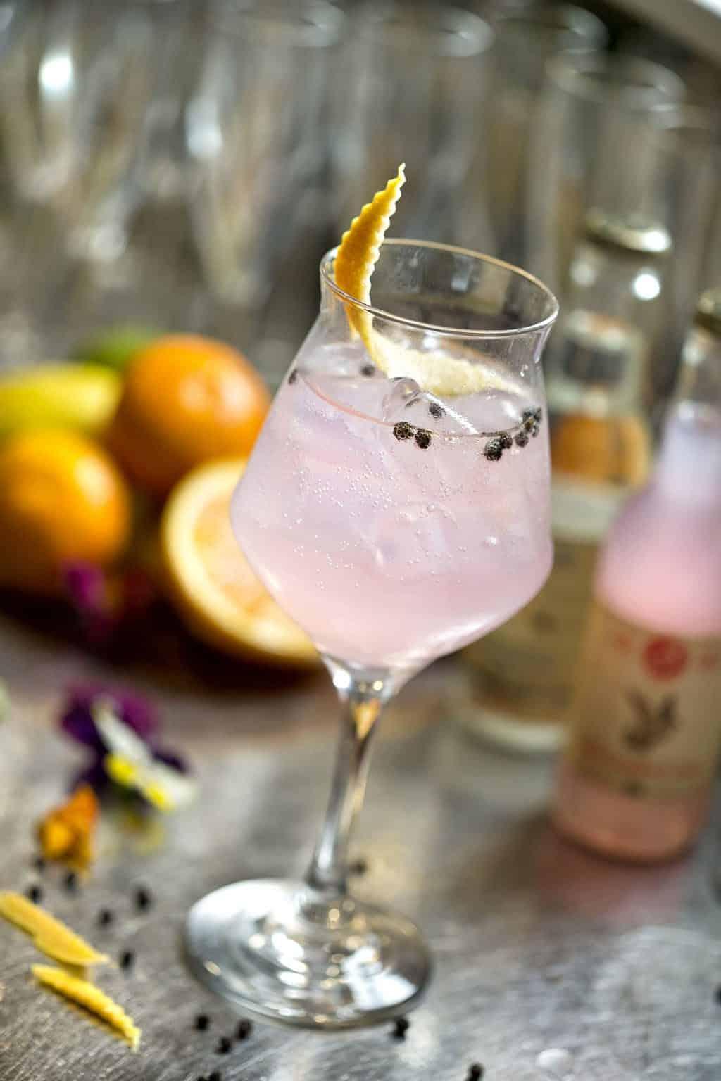 pink grapefruit tonic, cocktails da lele, cocktail migliori, ristoranti pesce riccione, ristoranti a riccione, da lele riccione
