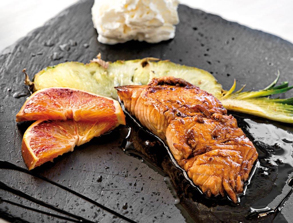 salmone laccato alla soia, piatti di pesce, menu di pesce, ristoranti pesce riccione, da lele riccione