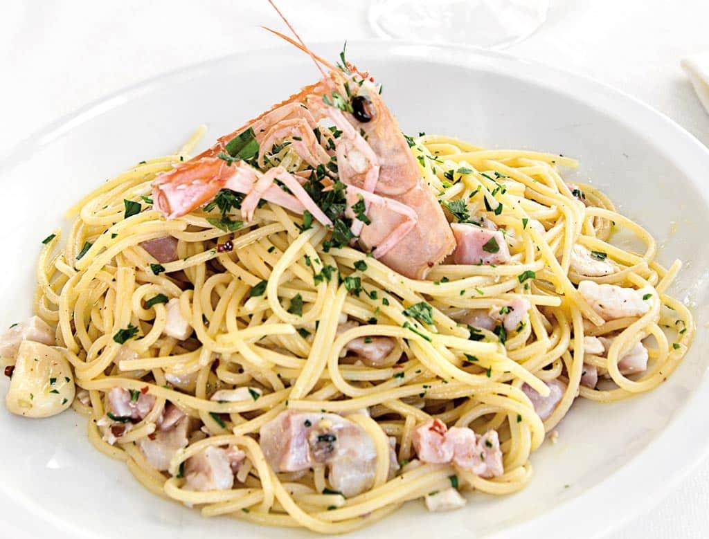 spaghettone toscoromagnolo, primi di pesce, menu di pesce, ristoranti pesce riccione, da lele riccione