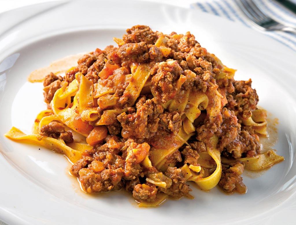 tagliatella al ragu, tagliatelle al ragu, menu di carne, ristoranti riccione, migliori ristoranti a riccione, da lele riccione