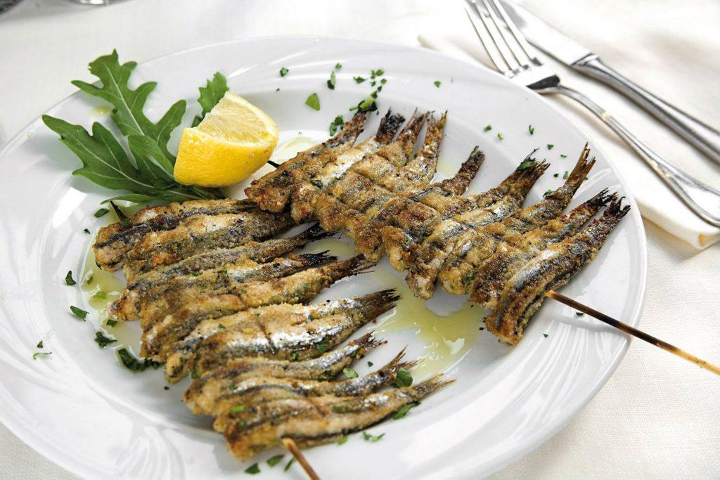 pesce azzurro dell'adriatico, ristorante da lele riccione