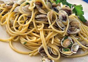 spaghetti alle vongole al ristorante di pesce di riccione da lele